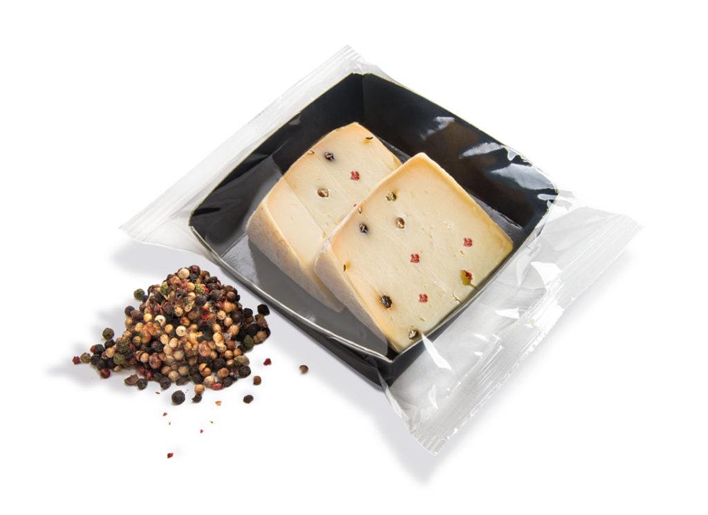 formaggi porzionati al pepe colorato